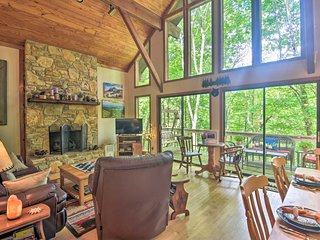 NEW! Linville Land Harbor Cabin w/ Deck & Views!