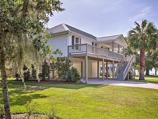 'The Palm' Bay St. Louis Home - Walk to Beach!