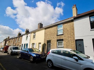 45 York Road - A pretty 2 bedroom cottage yards from the seafront in Walmer