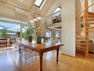 Palmkloof Penthouse - a stylish 2 bedroom pad in Gardens, Cape Town