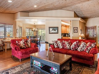 Big Bear City Family Cottage w/Hot Tub & Game Room