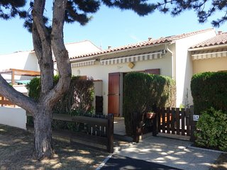 1 bedroom Villa with Walk to Beach & Shops - 5809806