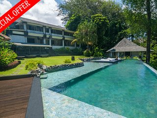 Rumah Matisse, 4 Bedroom Villa by the beach, river and jungle views, Near Canggu