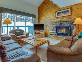 Great family condo five miles from Vail, pool/hot tub access