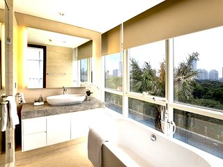 Three-bedroom Suite At Oakwood Suites La Maison