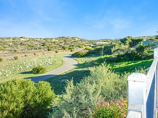 9 Underwood Avenue - Peace and Tranquility Overlooking the Sand Dunes of Goolwa