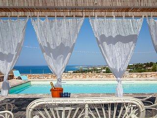 Villa con piscina vista mare vicino spiaggia m500