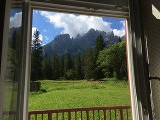 Immerso nelle Dolomiti fra Dobbiaco e Cortina
