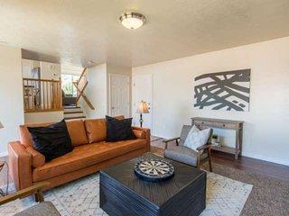 Draper Home 15272 Steep Mountain Drive, Prvt Backyard, BBQ, Patio, 2 Car Garage,