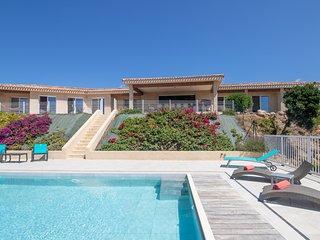 Belle villa  piscine et jacuzzi 10 pers avec vue sur le Golfe de Valinco