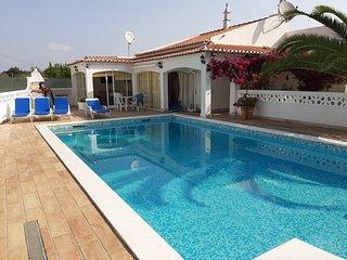 Moradia com piscina situada nos arredores de Tavira a 2 km da praia