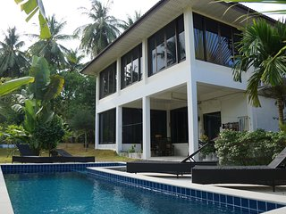 Twin Villas 2 bedroom apartment with a swimming pool