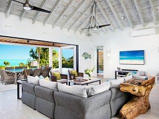 Brise De Mer 4BR Villa - Beachfront
