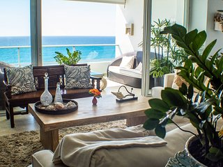 ★ NEW Beachfront Apartment with Two Balconies