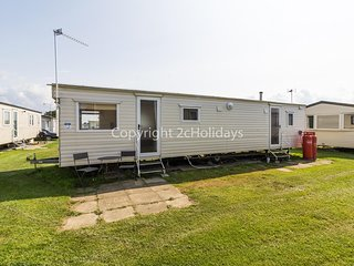 8 berth caravan to hire at California Cliffs holiday park Norfolk ref 50065 E