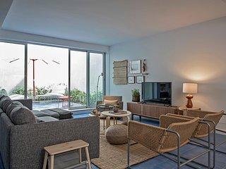 3BDR premium terrace apartment in Bairro Alto