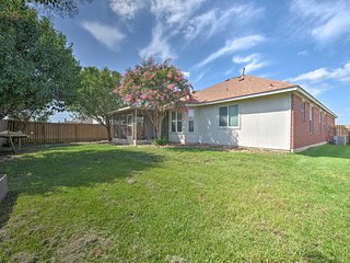 NEW-Home w/Fire Pit, 10Min to Texas A&M+Kyle Field