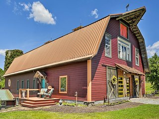 NEW! Historic Winston-Salem Guest Barn on Farm!