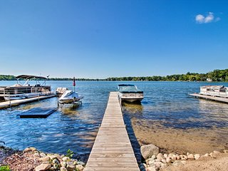 NEW! Lakefront Chelsea Home w/Dock, Kayaks & Patio