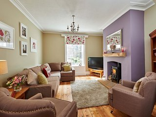 HARBOUR HOUSE, 8 bedrooms, Whitby