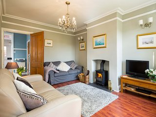 ARDEN HOUSE, 6 bedrooms, Whitby