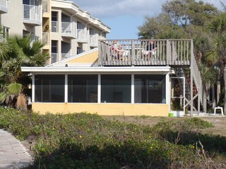 2 Bed/2 Bath Cottage On the Gulf