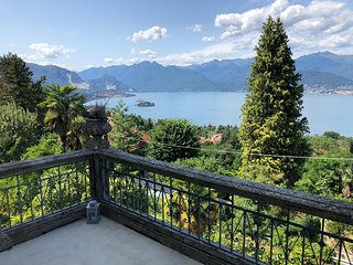Villa Giuseppina on a panoramic hill in Vedasco in Stresa