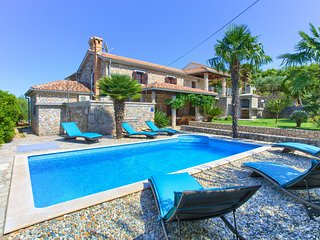 Rustic Apartment Magdalea With Private Swimming Pool And Seaview