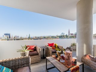 Modern City Centre Apartment - Great Views