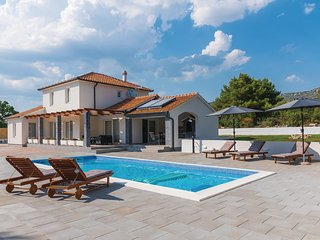 Beautiful home in Sibenik w/ Outdoor swimming pool, Outdoor swimming pool and 3