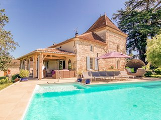 8 bedroom Chateau with Pool and WiFi - 5657608