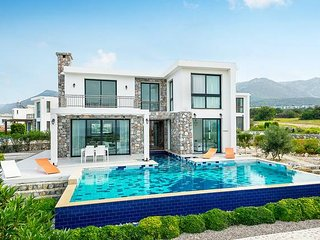 Stylish Modern Seaside Villa + Private Pool