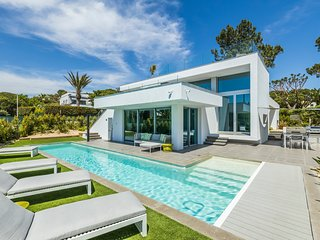 Villa Bam - Luxury 4 Bedroom Villa, Dunas Douradas, The Algarve, Portugal