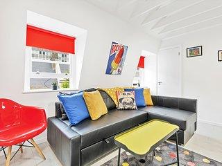 Bond Street Studio - Sleeps 4 - Central Location - Free Wifi