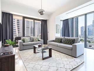 Spacious 2BR Dubai Marina Apartment, Amazing Location!