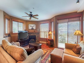 NEW LISTING! HappyValley ground floor ski-in/ski-out condo w/ private hot tub