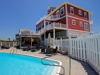 Bay Court 100   Private Pool, Hot Tub, Game Room, Deep Water Boat Dock, almost O