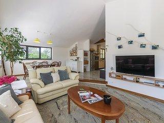 Beautiful home in Pula w/ WiFi and 3 Bedrooms (CIR350)