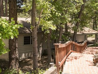 Apple Bear Cottage