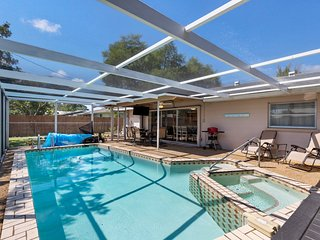 Pool ⭐Home with Hot Tub - Close to Siesta Key, Shopping, Restaurants
