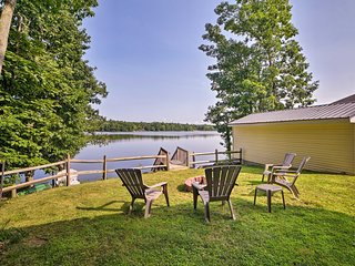 Lakefront Home w/ Fire Pit - 9.5 Mi to Shawnee Mtn