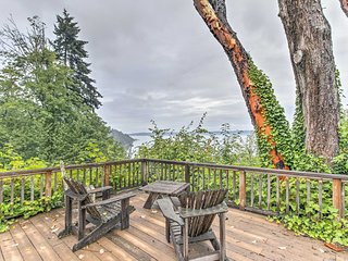 Luxe Vashon Farmhouse w/ Puget Sound Views!