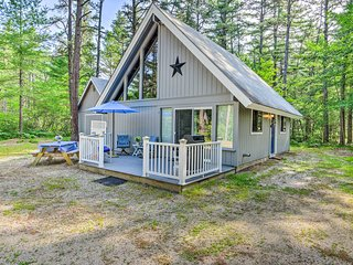 Ossipee Lake Home w/ Private Beach Club Access!