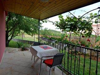 Vrvari Apartment Sleeps 2 with Air Con and WiFi - 5810002