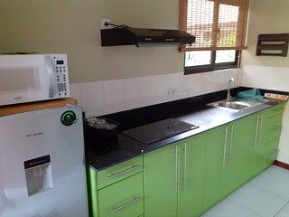 Nieuw appartement met zwembad en prieel in Rainville, Paramaribo Noord (Groen)