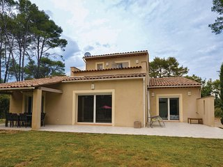 Awesome home in Draguignan w/ Outdoor swimming pool, Outdoor swimming pool and 4
