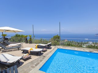 Casa Augusta A with Mini Pool, Sea View, Parking and Private Terraces