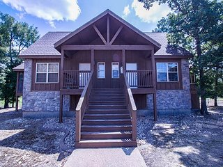 Tin Cup Cottage - A beautiful updated 1 bedroom cabin at Stonebridge!
