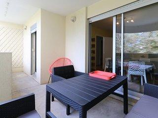 Confortable T3 au calme, avec terrasse et proche du centre - Air Rental