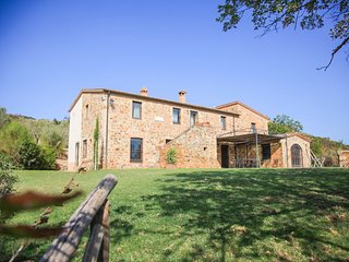 Castelnuovo dell'Abate Villa Sleeps 8 with Pool - 5676521